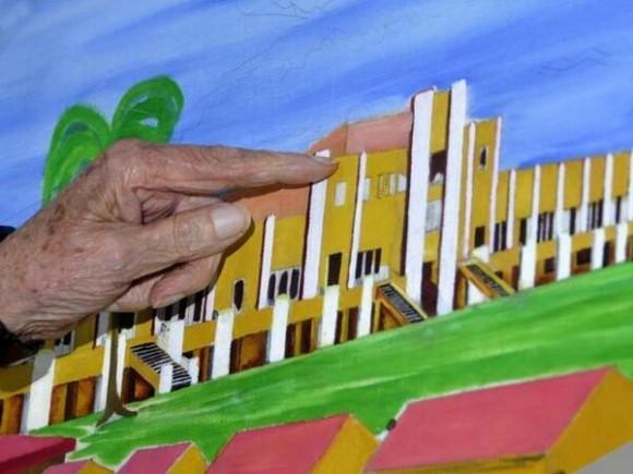 Fidel detalla cuadro pintado por Chávez del Cuartel Moncada, Foto: Estudio Revolución