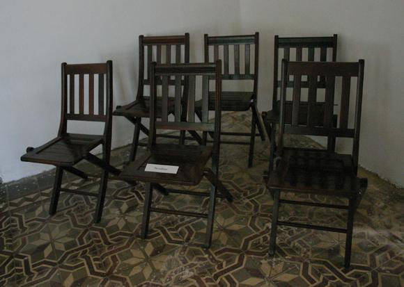 """El sitio de la prensa, en la sala en que Fidel Castro realizó su alegato defensa """"La Historia me Absolverá"""". Foto: Daylén Vega/Cubadebate."""