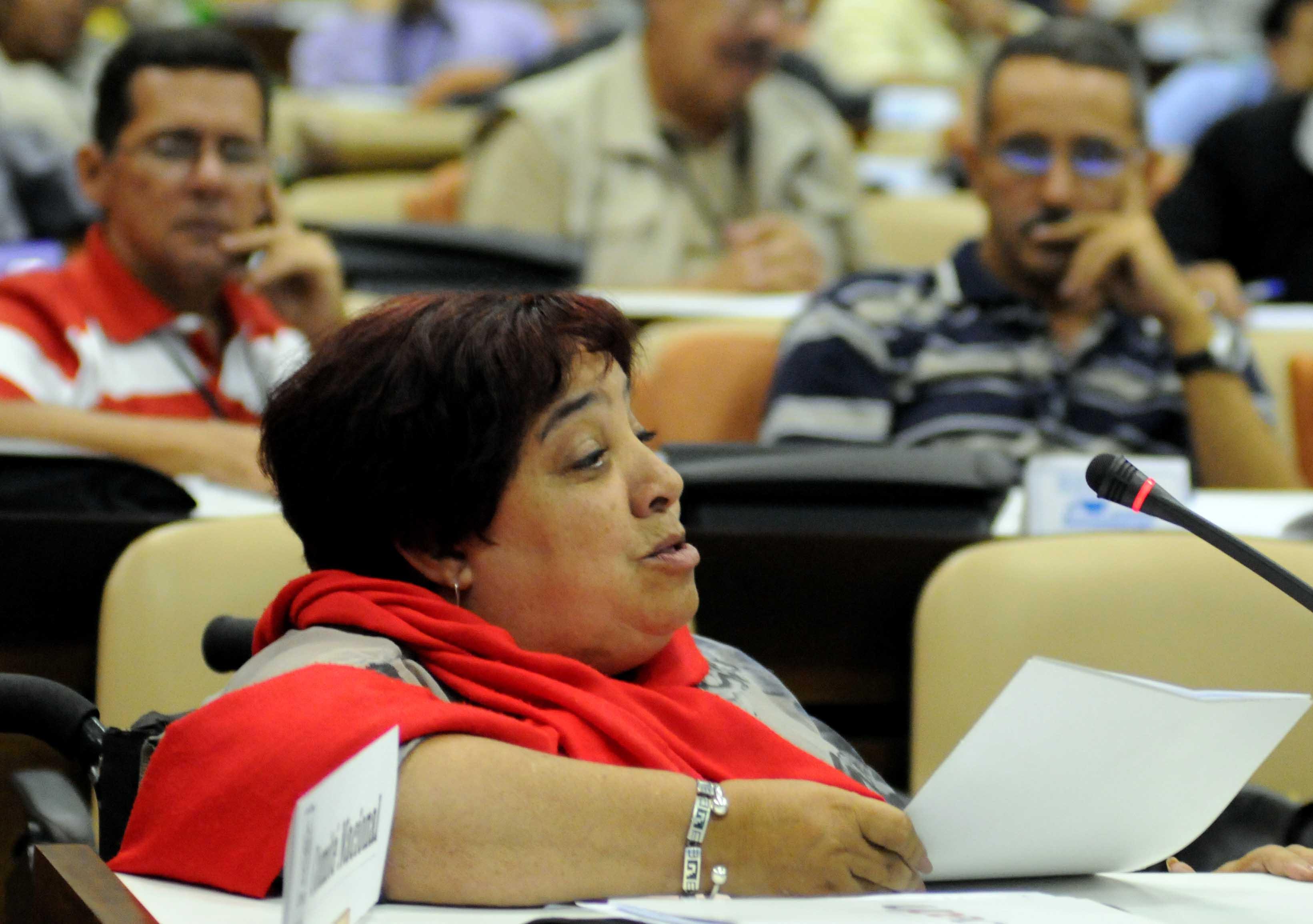 La Dra. Isabel Moya, Directora de la Editorial de la Mujer, enfatizó en la necesidad de reforzar símbolos, valores y percepciones frente al modelo cultural dominante. Foto: Marcelino Hernández/AIN