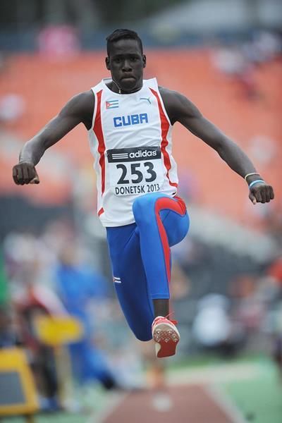 Triplista cubano se convierte en Campeón Mundial de Cadetes