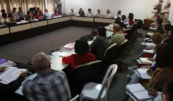 Diputados en la Comisión de Asuntos Económicos. Foto: Ladyrene Pérez/Cubadebate