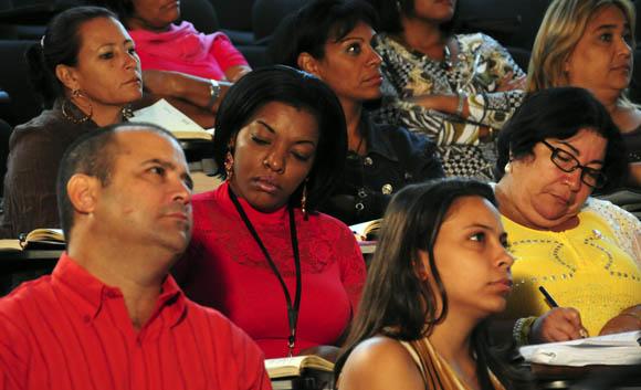 Diputados trabajan en comisiones. Foto: Ismael Francisco/Cubadebate.