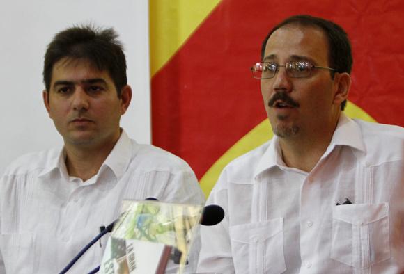 Abel Enrique González Santamaría y Alejandro Castro Espín. Foto: Ladyrene Pérez/Cubadebate.