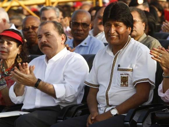 Evo Morales y Daniel Ortega en el Acto por el Aniversario 60 del Asalto al Cuartel Moncada. Foto: Ismael Francisco/ Cubadebate