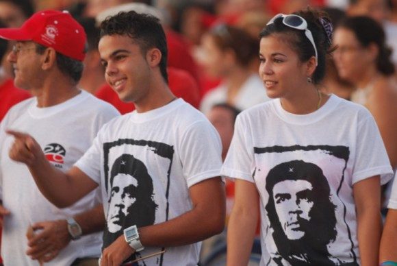 jovenes cubanos