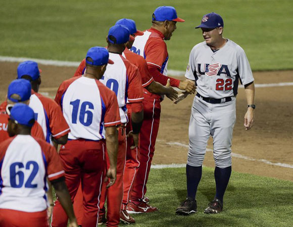 Los managers, frente a frente. Foto: Nati Harnik/AP.