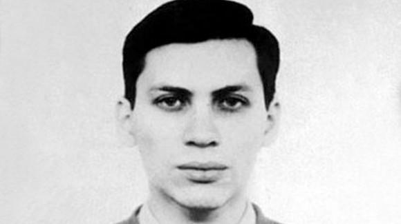 Vladimir Levin, 'hacker' israelí nacido en Rusia, que en 1994 penetró la red interna del Citibank y obtuvo acceso a múltiples cuentas. Logró transferir 10,7 millones de dólares a varias cuentas en EE.UU., Finlandia, Alemania, Israel y los Países Bajos.