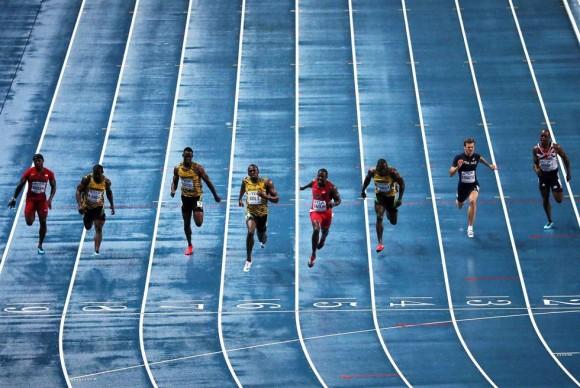 Imagen frontal del desenlace de la carrera de los 100m. LOIC VENANCE (AFP)