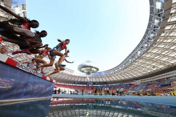 Momento de la carrera de los 3000m en el estadio Luzhniki. FRANCK FIFE (AFP)