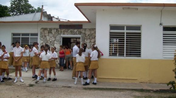 educación-cuba-secundaria básica