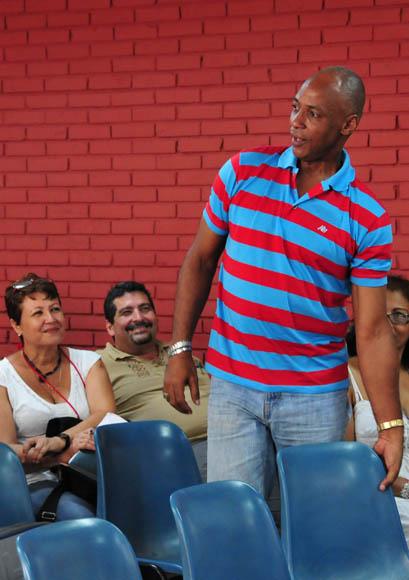 Lázaro Miranda (LAZ), gran caricaturista cubano y forista entusiasta de Cubadebate. Foto: Ladyrene Pérez/Cubadebate.