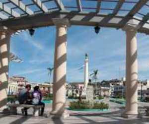 La Plaza de Marte, enclavada en uno de los puntos más altos y populosos de Santiago de Cuba. Foto: Prensa Latina