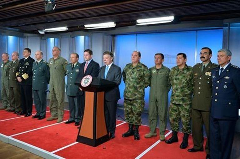 santos y nueva cúpula militar