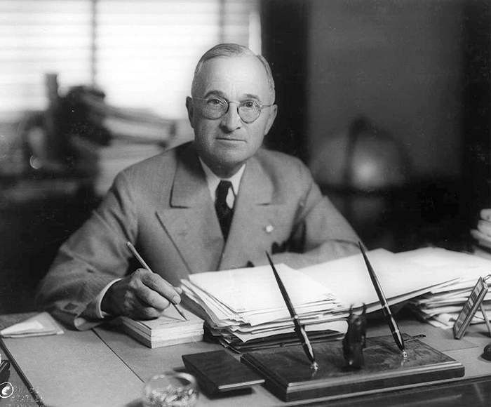 Presidente Harry S. Truman.