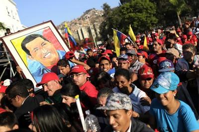 Conmemoran cinco meses del doloroso fallecimiento del Comandante Chávez.