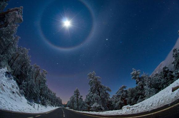Cuádruple halo lunar. Tomada por Dani Caxete, España.