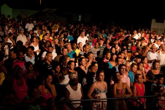 Ante el escenario. Foto: Alejandro Ramírez Anderson.