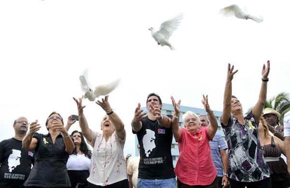 18ya-familiares-Cinco-palomas-AIN