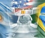 """Los ministros de Defensa de Brasil y Argentina firmaron un acuerdo para crear un subgrupo bilateral de trabajo que se dedicará a """"lograr un óptimo desarrollo en ciberdefensa"""" y minimizar """"situaciones de vulnerabilidad"""". Foto: Corbis / RT / deviantart.com"""