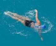 Diana Nyad nadando a dos millas de Cayo Hueso. Foto: AP