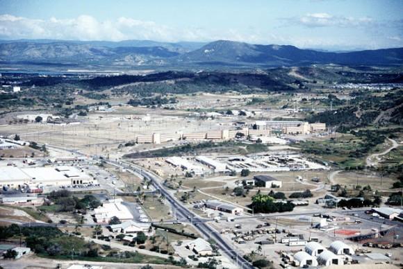 Foto aérea de las instalaciones en la Base Naval norteamericana en la bahía cubana de Guantánamo