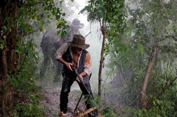 Expedicionarios luego de ser dispersados.  Foto: Yasser Lezcano