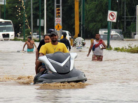 ´Manuel´ e ´Ingrid´ generarán lluvias torrenciales en el noreste, norte, occidente, oriente y sur del país | Fuente: EFE |