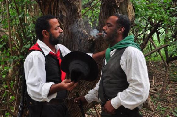 Los dos héroes y hermanos. José Maceo con su impertinente tabaco que tanto molestaba a Antonio. .Foto: Yasser Lezcano