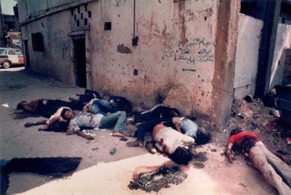 Masacre de palestinos perpetada por las fuerzas falangistas cristinas en el campo de refugiados de Sabra y Shatila, en Beirut, Líbano.