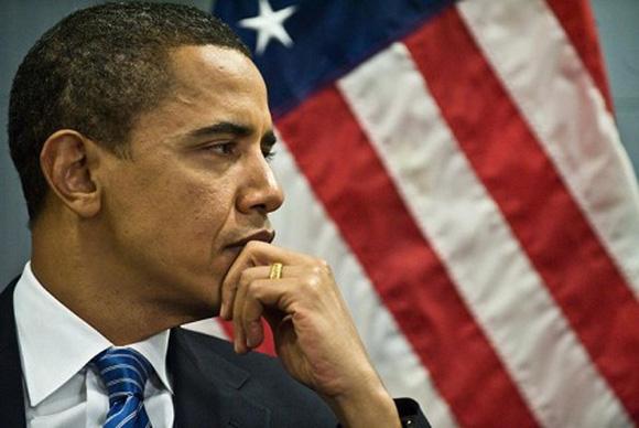 Aunque Obama deseaba evitar las reacciones críticas a las políticas bélicas, también estuvo obligado a implementar la agenda del gobierno permanente instituido en el Complejo Militar-Industrial.