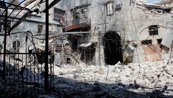 A raíz de los enfrentamientos entre las tropas gubernamentales y las unidades de la oposición en el país fueron destruidas 1,5 millones de viviendas. Para reconstruirlas se necesitarán unos 400 metros cúbicos de hormigón, según el experto sirio en materia de inmuebles, Ammar Youssef.