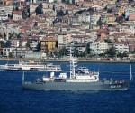 barco de guerra ruso miniatura