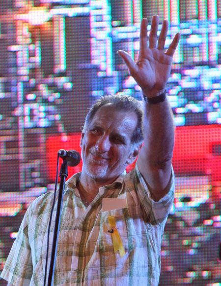 René González leyó un mensaje al pueblo de Cuba. Foto: Ismael Francisco/Cubadebate.