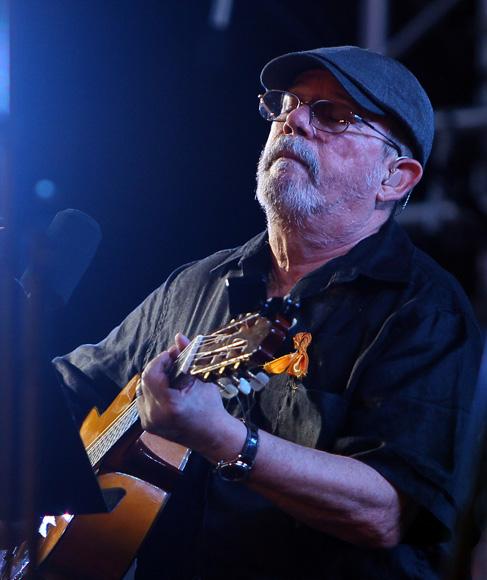 Silvio Rodríguez en el concierto por los 15 años del injusto encarcelamiento de Los Cinco Héroes. Foto: Ismael Francisco/Cubadebate.