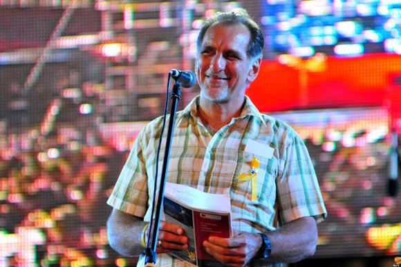 René González leyó un mensaje al pueblo de Cuba. Foto: Ladyrene Pérez/Cubadebate.