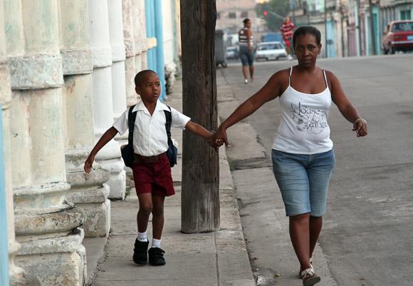 A la escuela por primera vez. Foto: Ismael Francisco/Cubadebate.