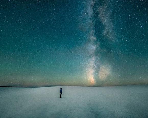 """Fotografía realizada por Ben Canales (USA). Finalista de la categoría """"Gente y Espacio""""."""