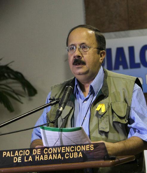 Andres Paris, miembro de las Farc-Ep, en el Palacio de Convenciones. Foto: Ismael Francisco/Cubadebate.