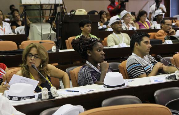 Sesiona en el palacio de convenciones Festival de la Radio y la Televisión cubana. Foto: Ismael Francisco/Cubadebate.