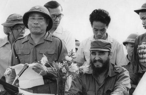Fidel Castro en Viet Nam 1973.