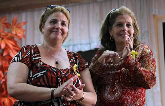 Elizabeth Palmeiro y Olga Salanueva. Foto: Ladyrene Pérez/Cubadebate.