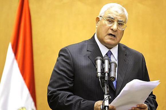 Adly Mansour, quien asumió el cargo luego que el Ejercito egipcio derrocara al presidente Mohamed Mursi.