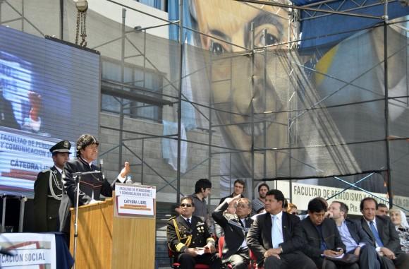 Evo Morales en la Facultad de Peridosimos de La Plata fotos Kaloian (21)
