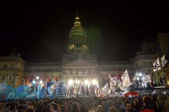 Festejos por la Ley de Medios fotos Kaloian1