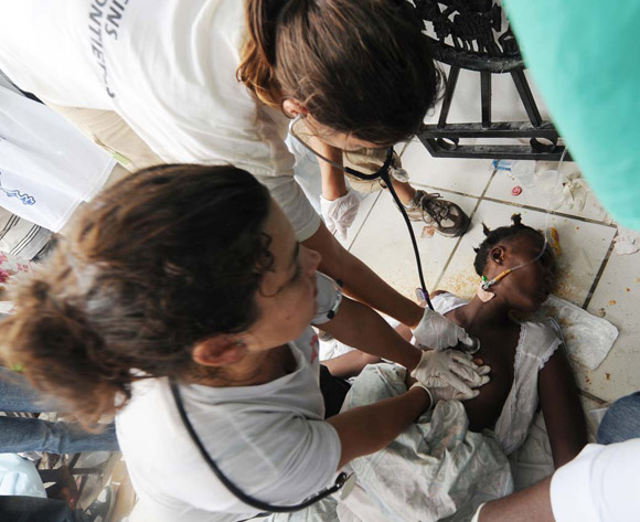 Cada año enferman de cólera entre tres y cinco millones de personas en el mundo, de las cuales fallecen de 100 000 a 120 000