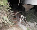 El tren de carga viajaba desde la Habana hacia Camagüey, cuando once de los 15 vagones descarrilados se volcaron desde el puente con ocho silos de cemento, dos casillas de refresco y una plancha contenedora de tabaco en picadura Foto: Vicente Brito