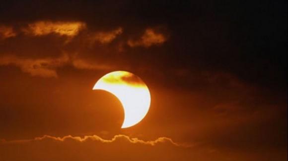 En Baracoa se podrá ver el domingo de 10,45 a 13,29 el eclipse parcial de Sol / DA