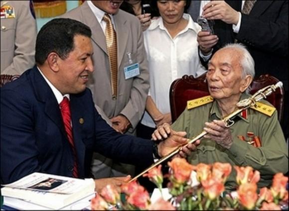 Giap junto al Presidente Venezolano Hugo Chávez.