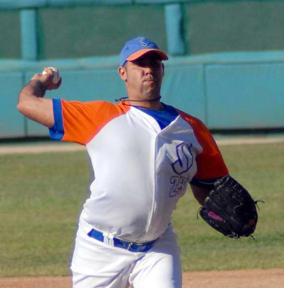 ismel-jimenez-beisbol-ss-foto-oscar-alfonso-ain