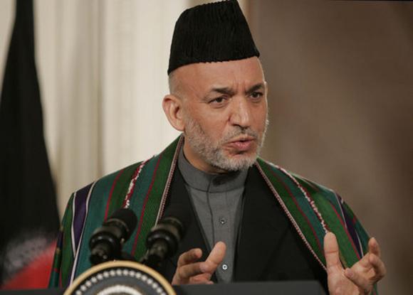 Karzai, que reconoció haber recibido dinero de Estados Unidos durante una década, no podrá volver a gobernar en Afganistán.